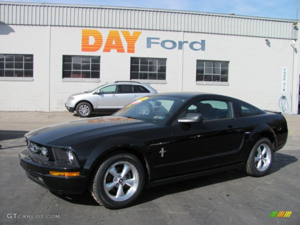 2007 Mustang V6 Premium Coupe - Black / Dark Charcoal photo #1