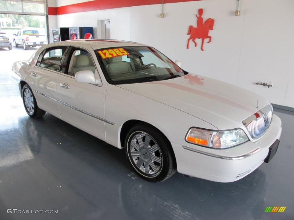 2003 Vibrant White Lincoln Town Car Cartier 28092073 Gtcarlot Com