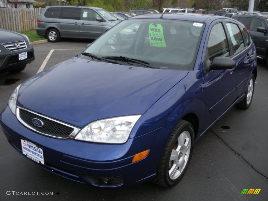 2005 Sonic Blue Metallic Ford Focus Zx5 Ses Hatchback 28143595