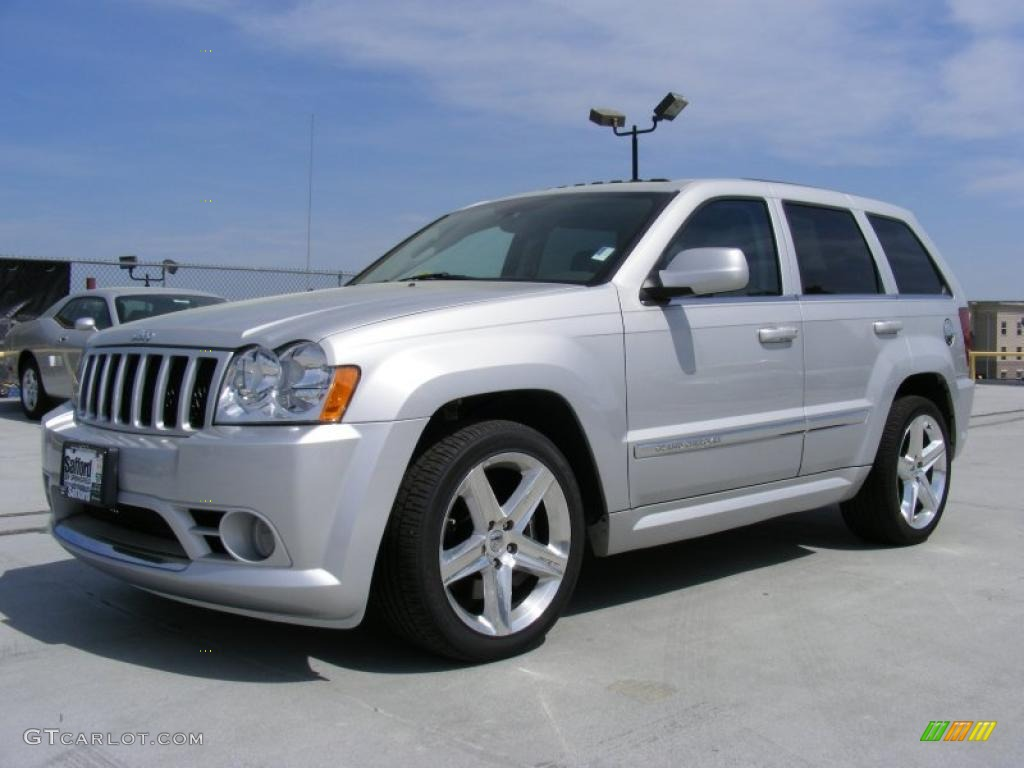 2007 bright silver metallic jeep grand cherokee srt8 4x4 28312790. Cars Review. Best American Auto & Cars Review