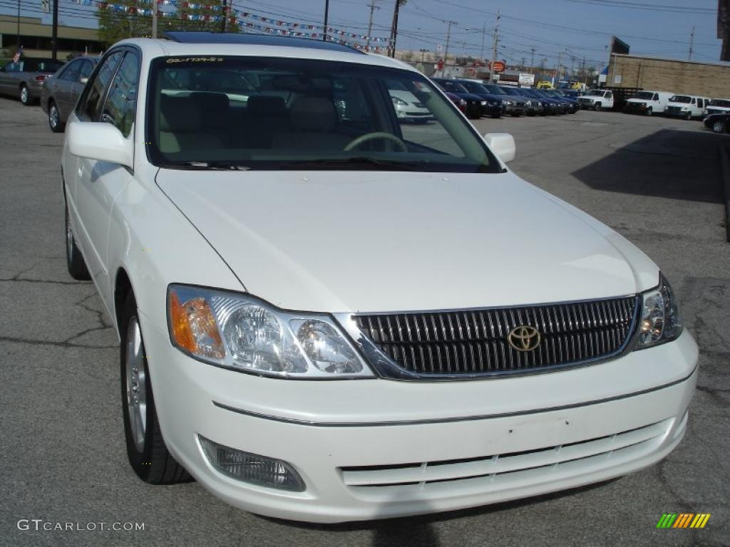 Toyota Avalon Diamond White Pearl Paint