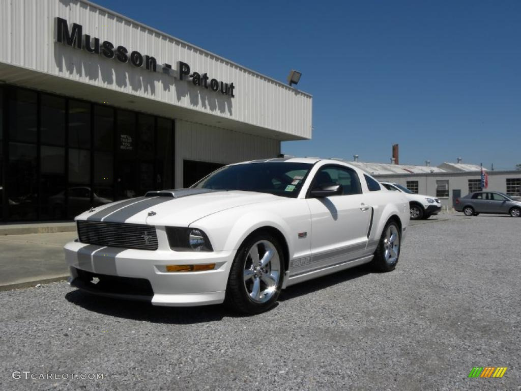 2007 Mustang Shelby GT Coupe - Performance White / Dark Charcoal photo #1