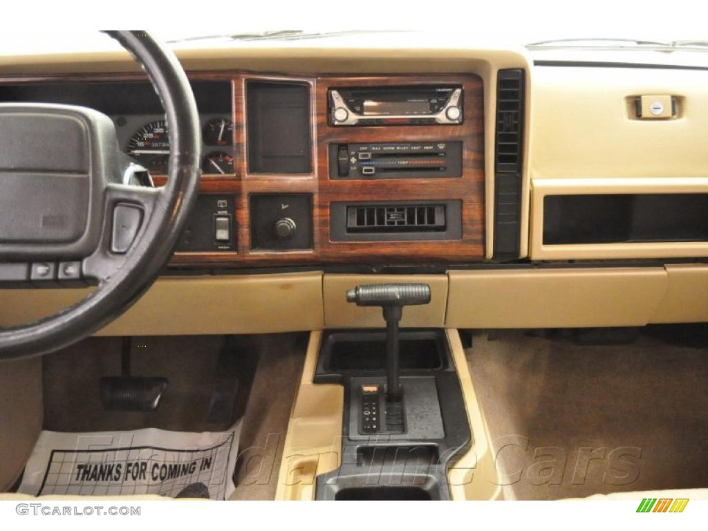 1996 flame red jeep cherokee country 28759111 photo 13 - 1996 jeep grand cherokee interior ...