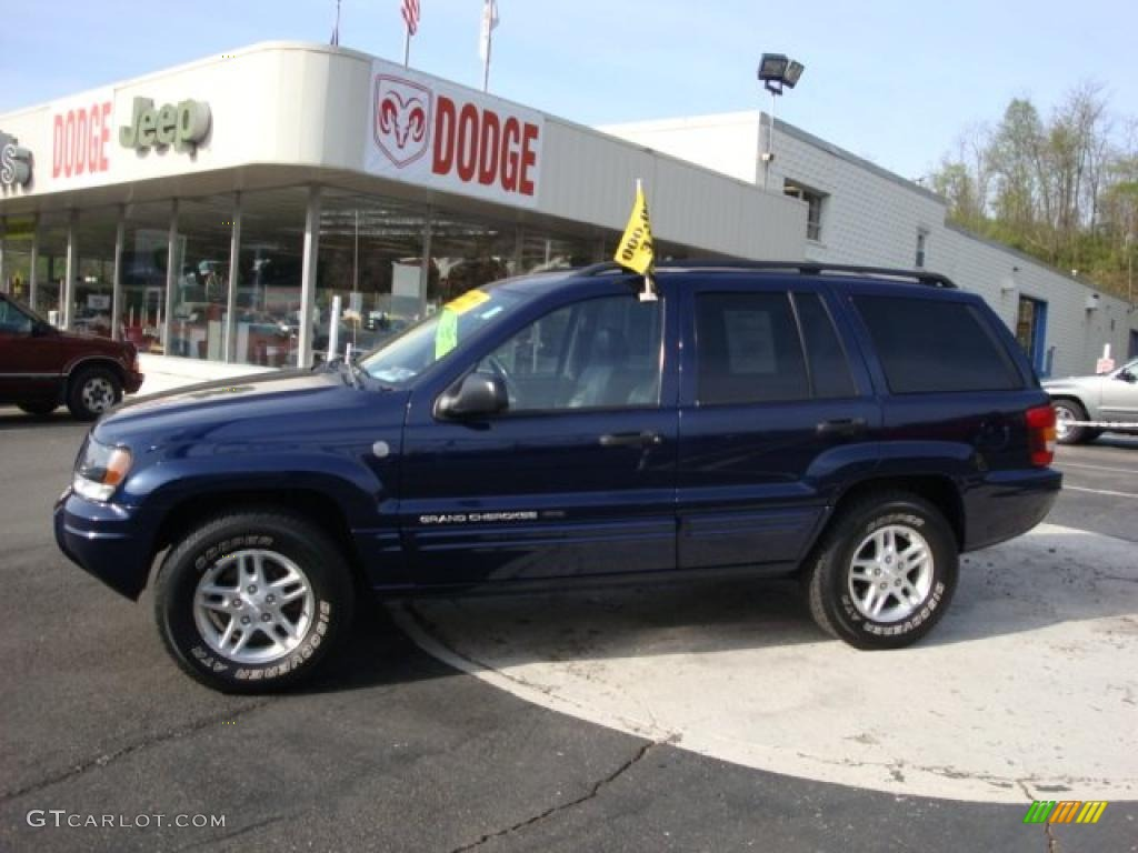2004 midnight blue pearl jeep grand cherokee laredo 4x4. Black Bedroom Furniture Sets. Home Design Ideas