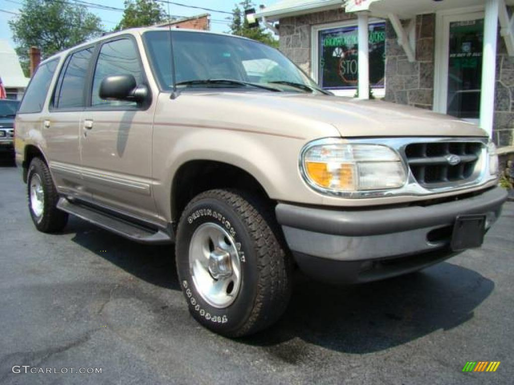 1998 light prairie tan metallic ford explorer xlt 4x4 28802130 car color galleries. Black Bedroom Furniture Sets. Home Design Ideas