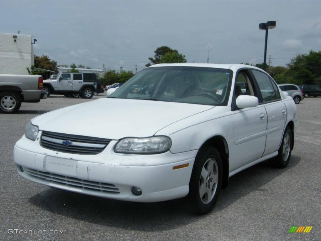 2002 bright white chevrolet malibu ls sedan 28801999. Black Bedroom Furniture Sets. Home Design Ideas