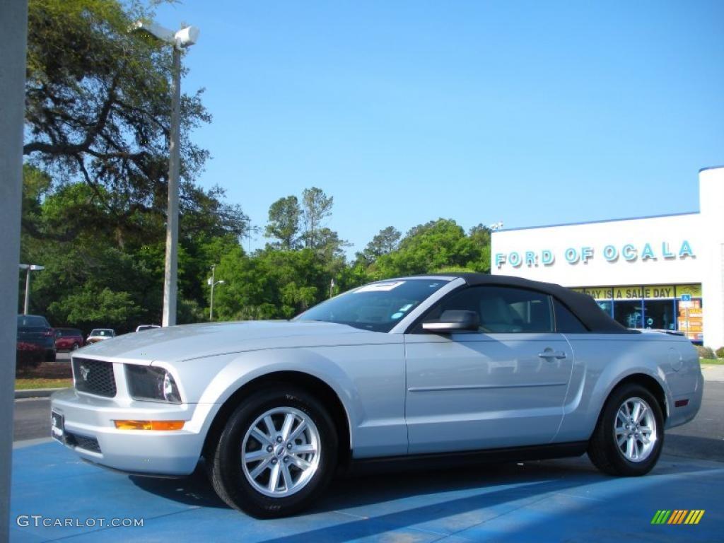 2007 Mustang V6 Premium Convertible - Satin Silver Metallic / Light Graphite photo #1