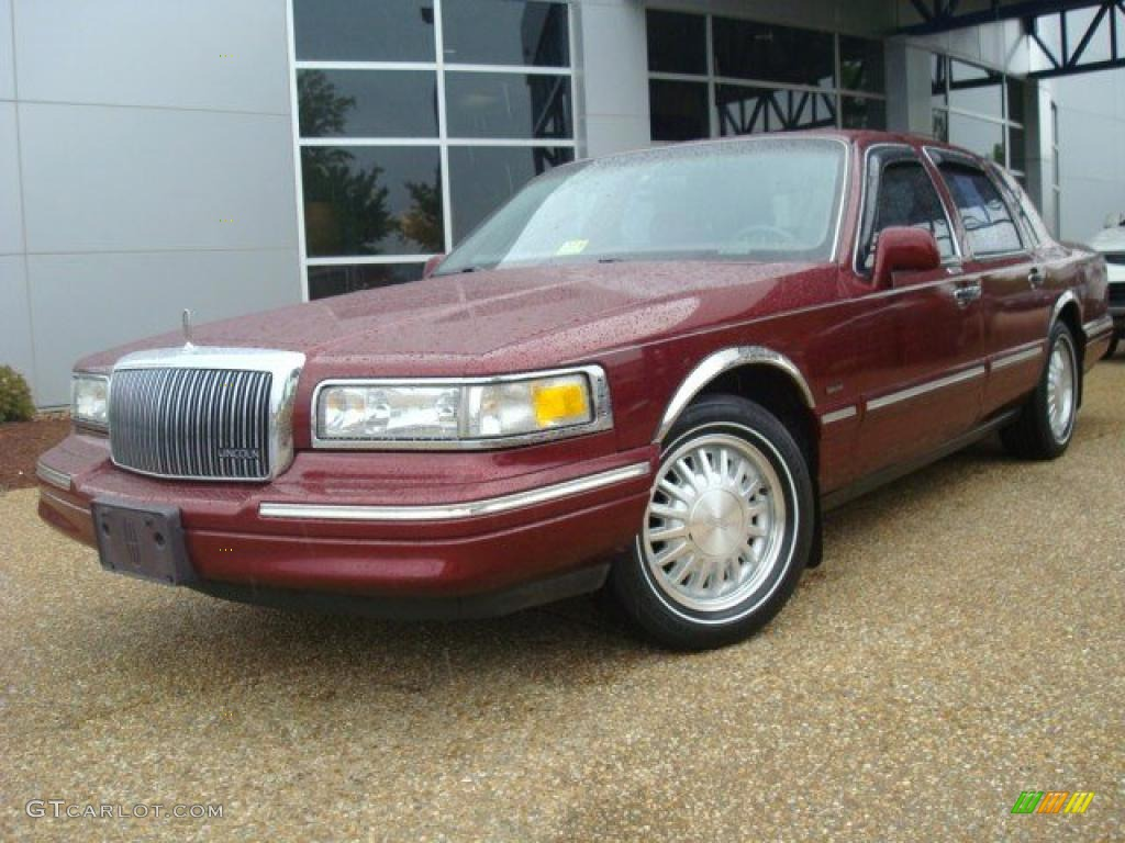 1997 toreador red metallic lincoln town car cartier 28936530 car color galleries. Black Bedroom Furniture Sets. Home Design Ideas