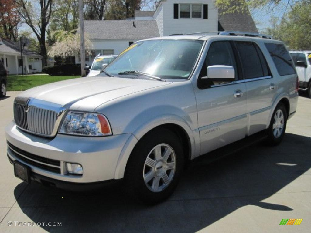 2005 silver birch metallic lincoln navigator luxury 4x4 29064906 car color. Black Bedroom Furniture Sets. Home Design Ideas