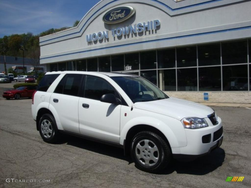 Polar White Saturn Vue