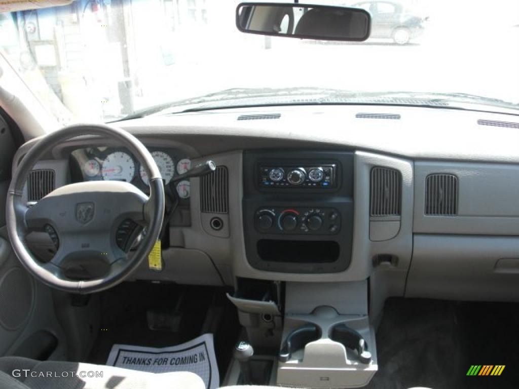2002 Ram 1500 Sport Quad Cab 4x4 - Bright White / Dark Slate Gray photo #12