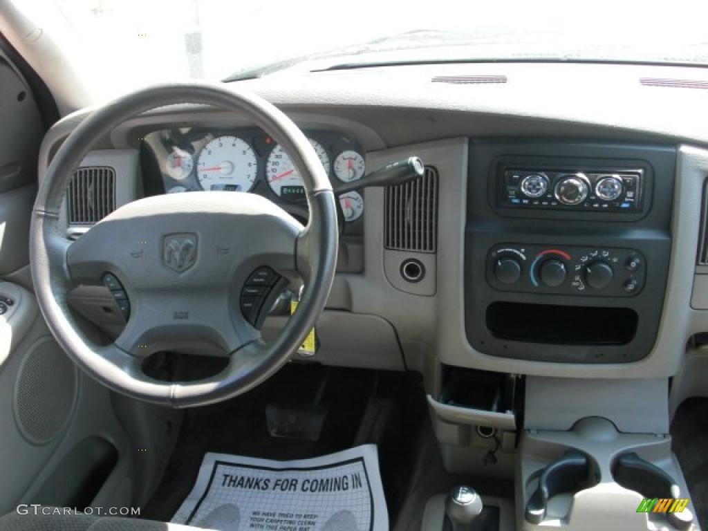 2002 Ram 1500 Sport Quad Cab 4x4 - Bright White / Dark Slate Gray photo #13