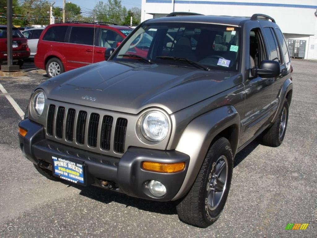 2004 light khaki metallic jeep liberty sport 4x4 columbia edition 29433900 car. Black Bedroom Furniture Sets. Home Design Ideas