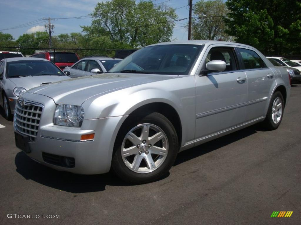 2007 bright silver metallic chrysler 300 touring 29600365 - 2007 chrysler 300 custom interior ...