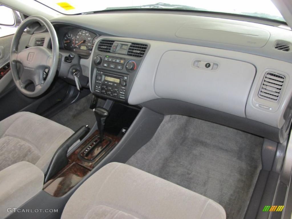 2000 Signet Silver Metallic Honda Accord Ex Sedan