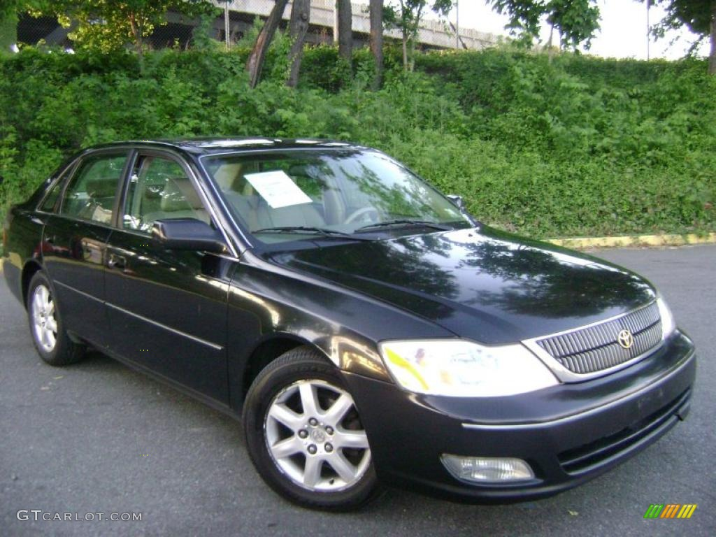 Black Toyota Avalon. Toyota Avalon XLS