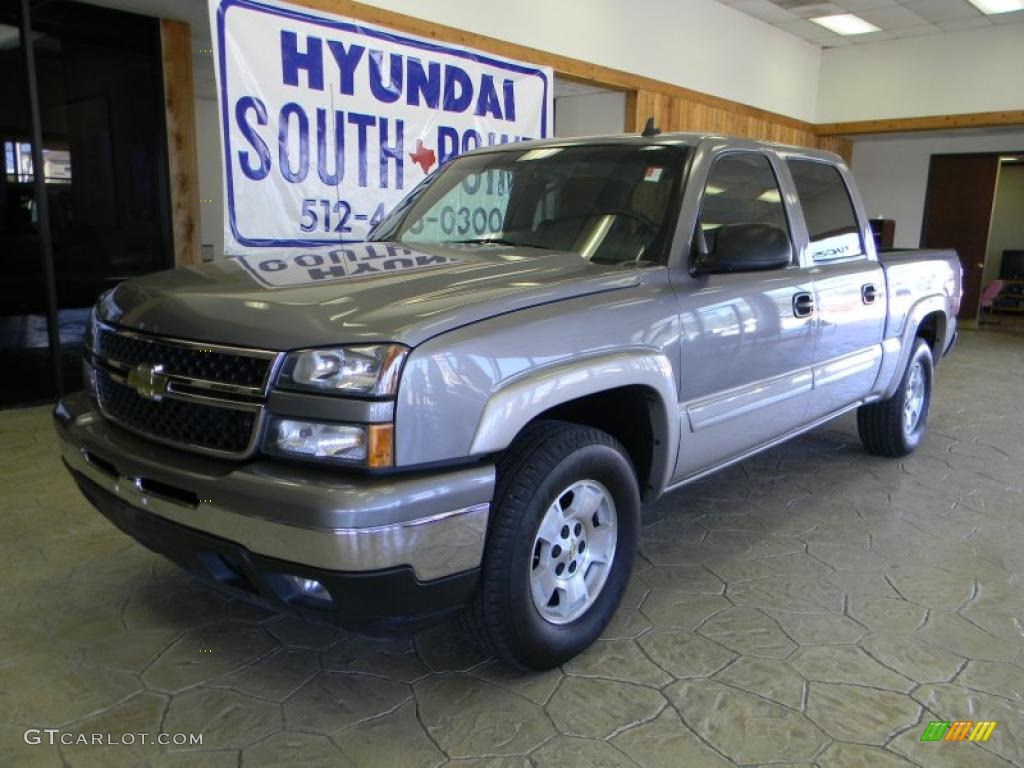 2006 Silverado 1500 Z71 Crew Cab 4x4 - Graystone Metallic / Medium Gray photo #1