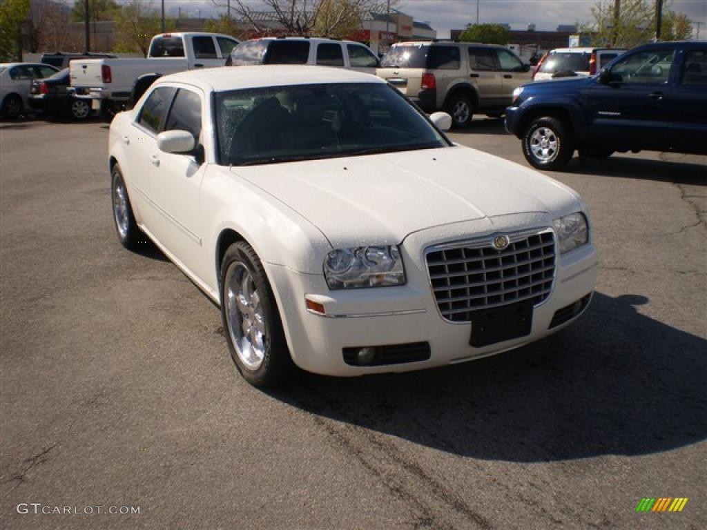 300 chrysler white