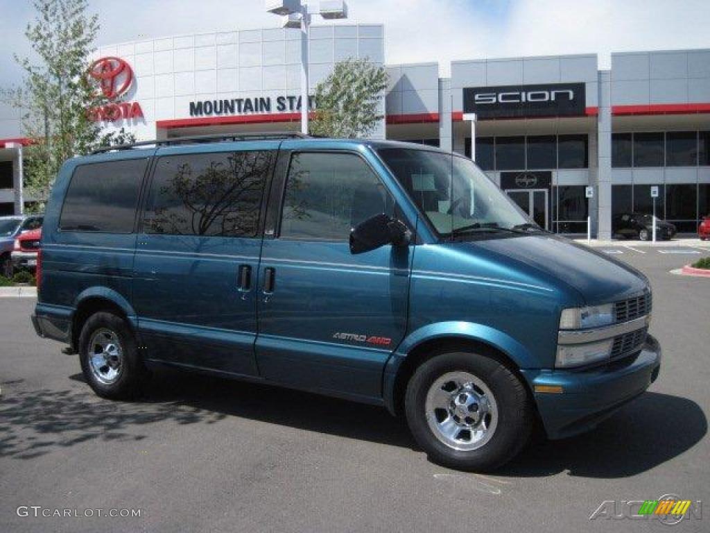 2001 Astro AWD Passenger Van - Medium Cadet Blue Metallic / Pewter photo #1
