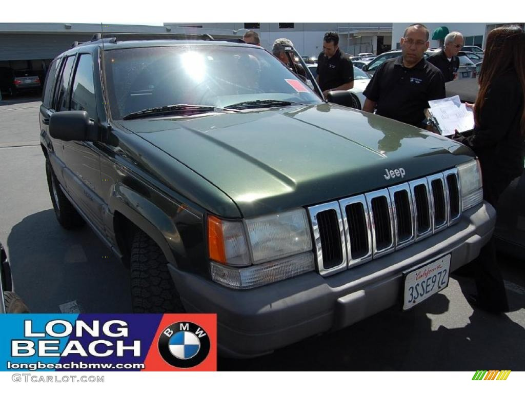1996 Grand Cherokee Laredo - Forest Green Pearlcoat / Agate photo #1