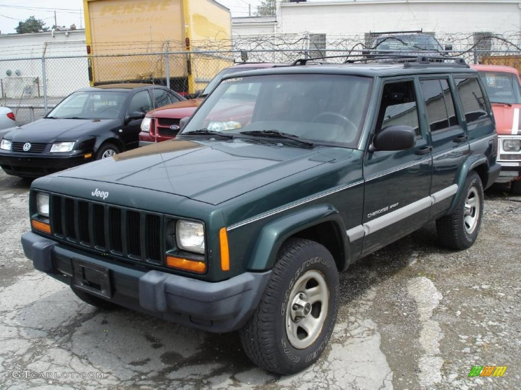 Forest Green Pearlcoat Jeep Cherokee. Jeep Cherokee Sport