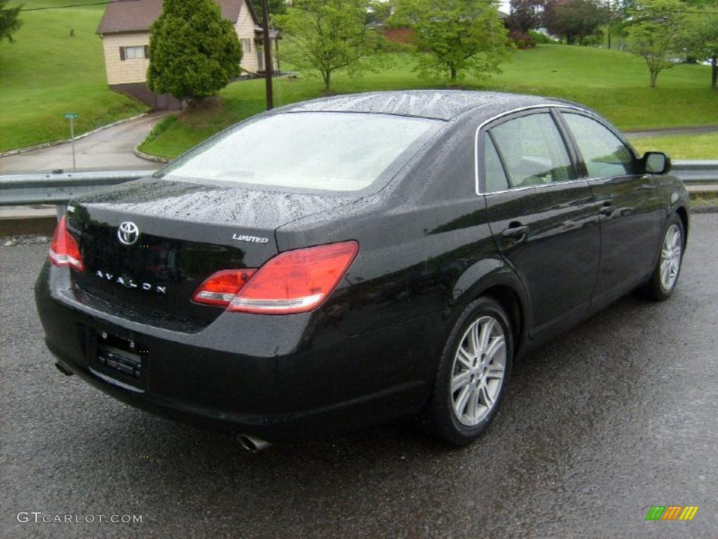 2005 Avalon Limited   Black / Light Gray Photo #6