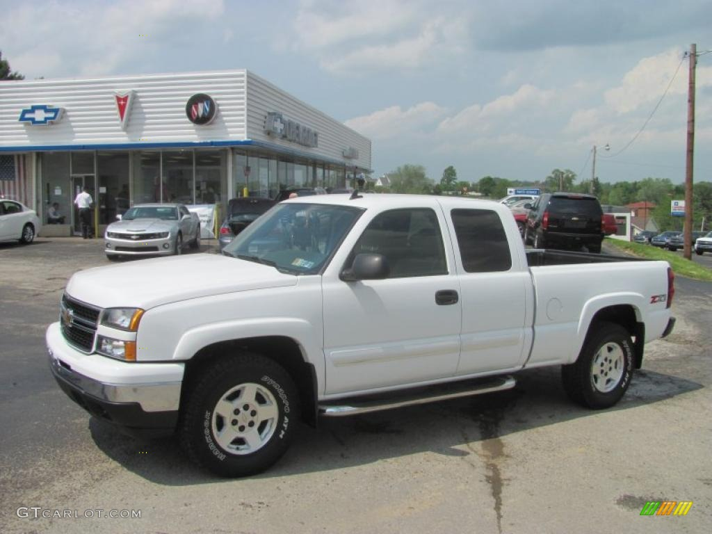 2007 summit white chevrolet silverado 1500 classic z71 extended cab 4x4 30036873. Black Bedroom Furniture Sets. Home Design Ideas