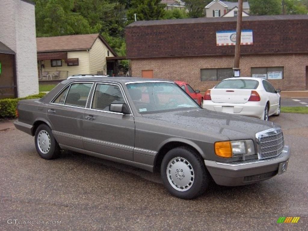 1991 pearl grey metallic mercedes benz s class 300 se for Mercedes benz s class colours
