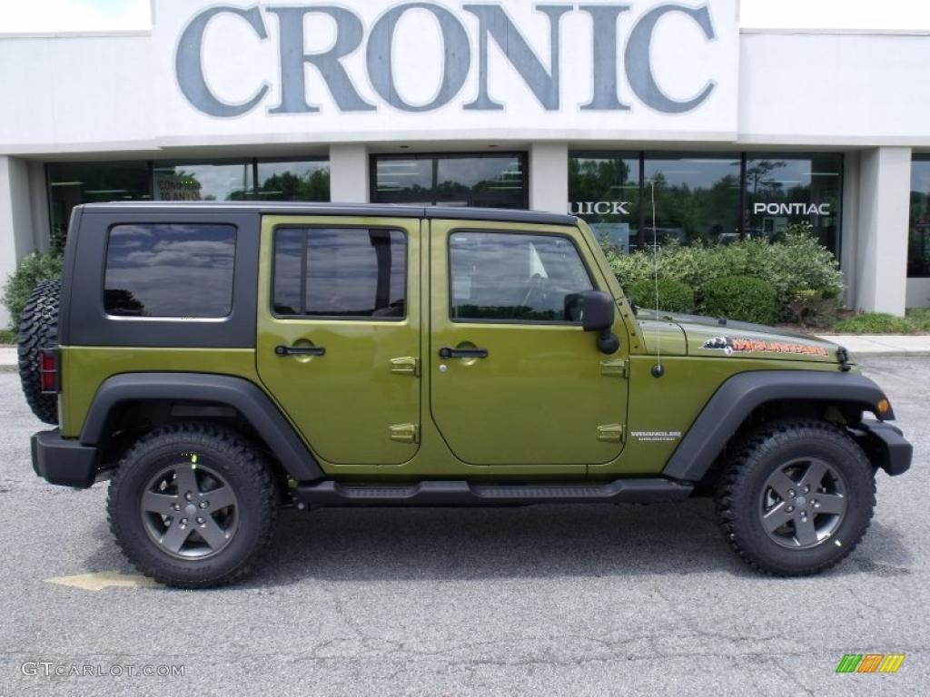 Rescue green metallic jeep wrangler unlimited