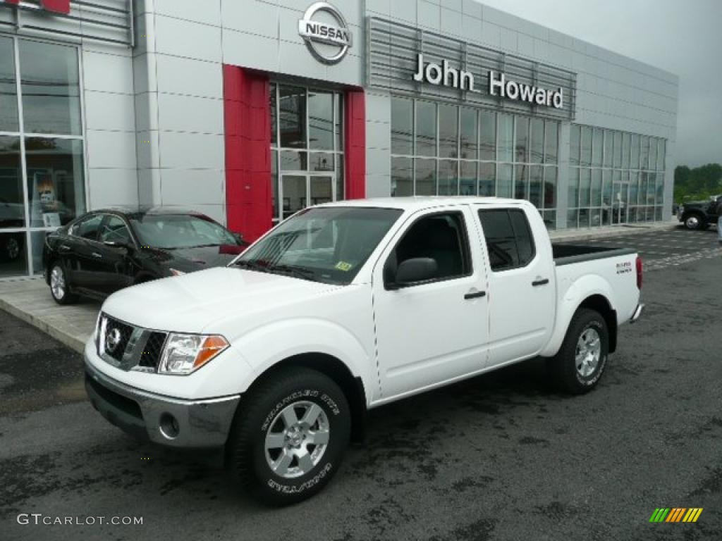 2005 avalanche white nissan frontier nismo crew cab 4x4. Black Bedroom Furniture Sets. Home Design Ideas