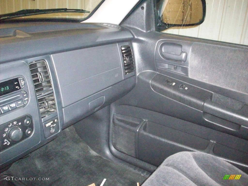 2004 Dakota SLT Club Cab 4x4 - Timberline Green Pearl / Dark Slate Gray photo #12