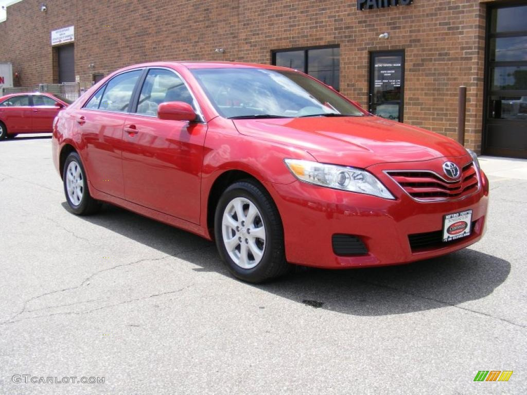2010 Barcelona Red Metallic Toyota Camry Le 30484544
