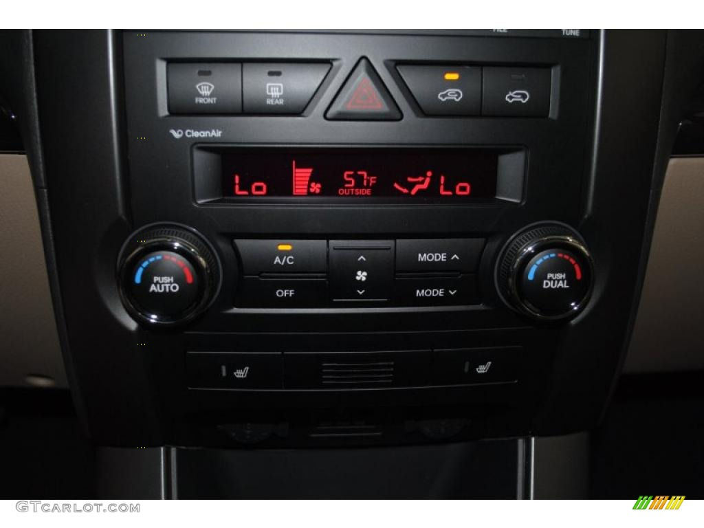 2011 Sorento EX AWD - Spicy Red / Beige photo #40