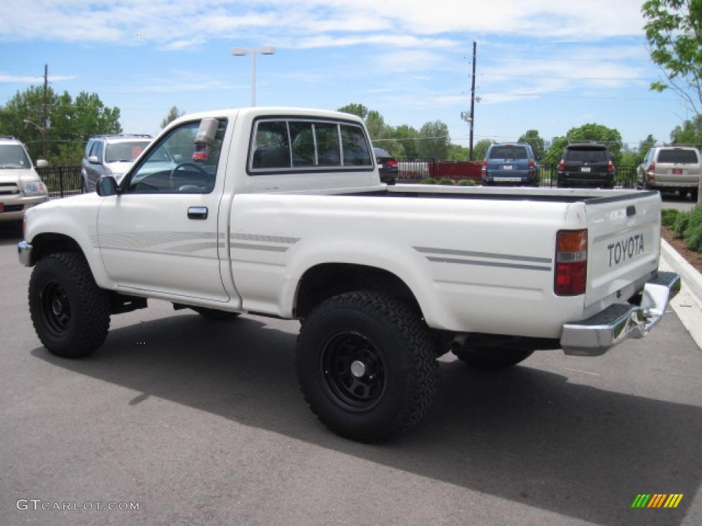 1991 white toyota pickup deluxe regular cab 4x4 30615940 photo 4 car color. Black Bedroom Furniture Sets. Home Design Ideas