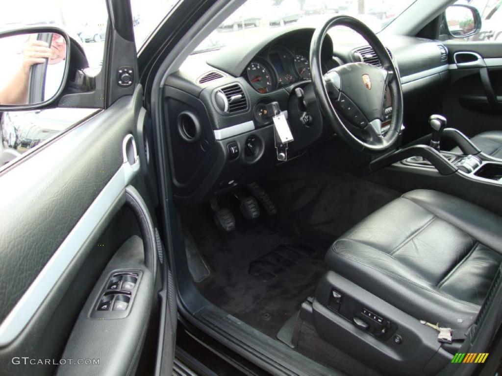 2005 porsche cayenne interior for Porsche cayenne interior images