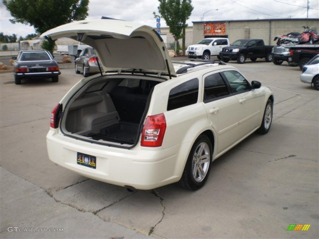 2005 cool vanilla white dodge magnum sxt 30816769 photo. Black Bedroom Furniture Sets. Home Design Ideas