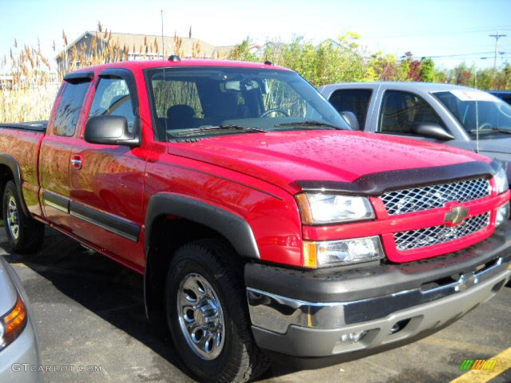 2005 Silverado 1500 Extended Cab 4x4 - Victory Red / Dark Charcoal photo #1