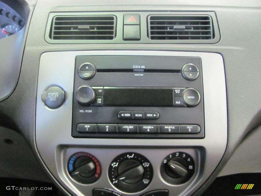 2005 Focus ZX3 SES Coupe - Pitch Black / Dark Flint/Light Flint photo #6