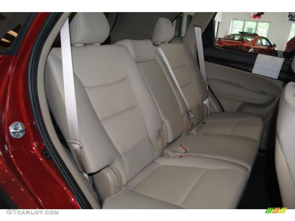 2011 Sorento LX AWD - Spicy Red / Beige photo #18