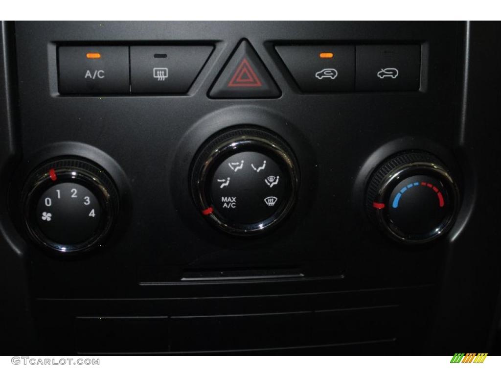 2011 Sorento LX AWD - Spicy Red / Beige photo #39