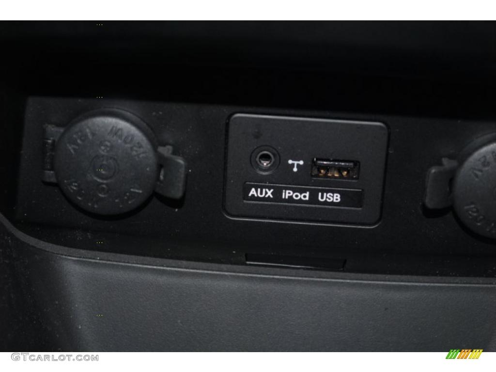 2011 Sorento LX AWD - Spicy Red / Beige photo #40