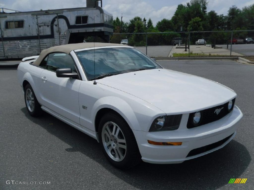 2006 Mustang GT Premium Convertible - Performance White / Light Parchment photo #5