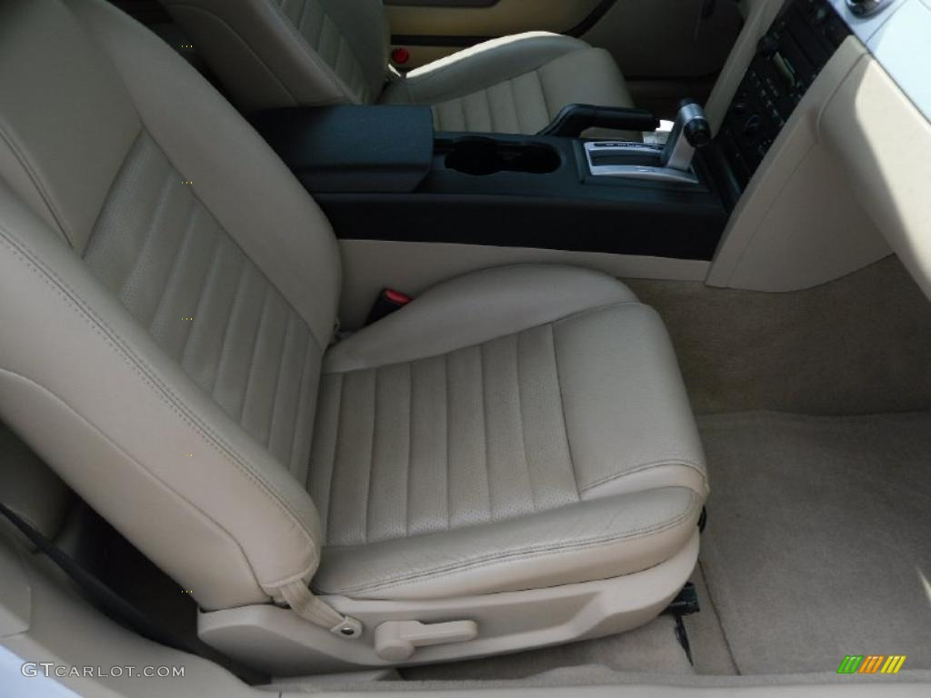2006 Mustang GT Premium Convertible - Performance White / Light Parchment photo #15