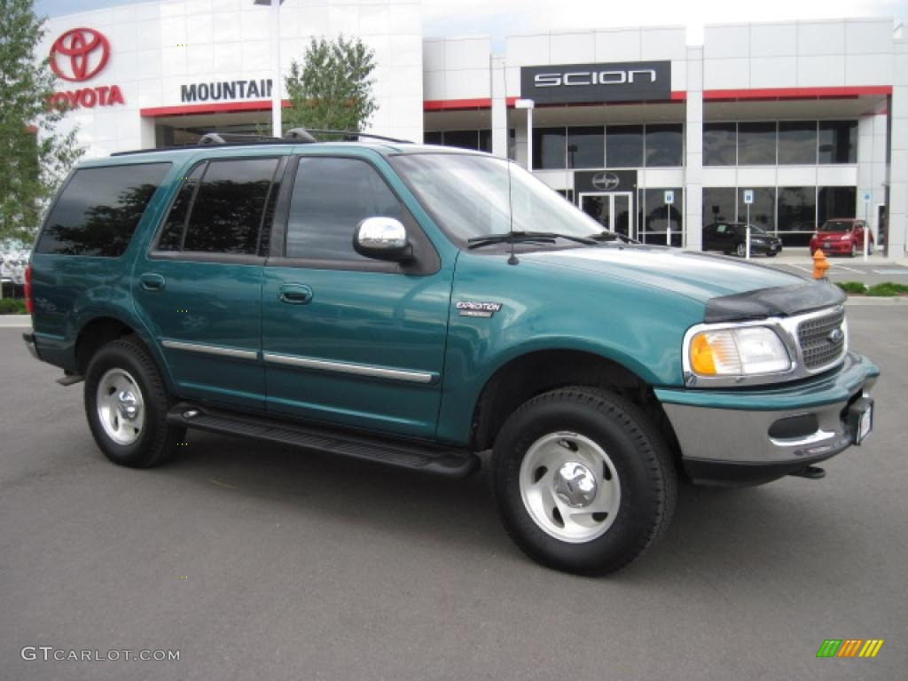 Pacific green metallic ford expedition