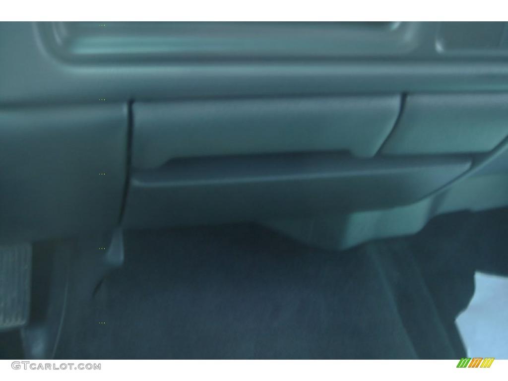 2002 Silverado 1500 LS Extended Cab 4x4 - Onyx Black / Graphite Gray photo #30