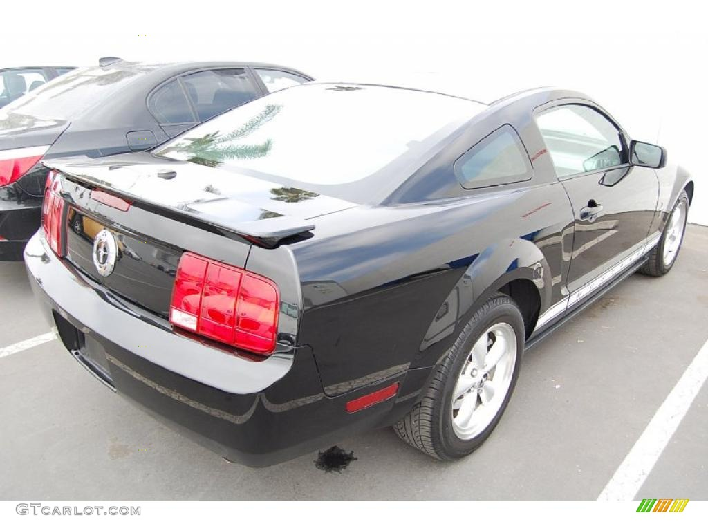 2007 Mustang V6 Premium Coupe - Black / Dark Charcoal photo #3