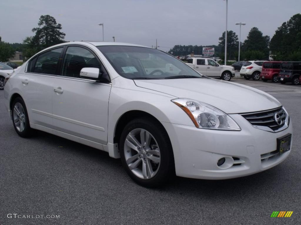 2010 winter frost white nissan altima 3 5 sr 31256813 photo 7 car color galleries. Black Bedroom Furniture Sets. Home Design Ideas