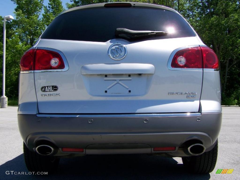 2010 Enclave CXL AWD - Quicksilver Metallic / Titanium/Dark Titanium photo #6