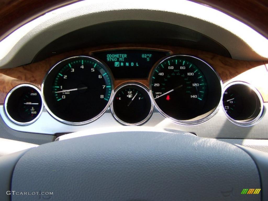 2010 Enclave CXL AWD - Quicksilver Metallic / Titanium/Dark Titanium photo #20