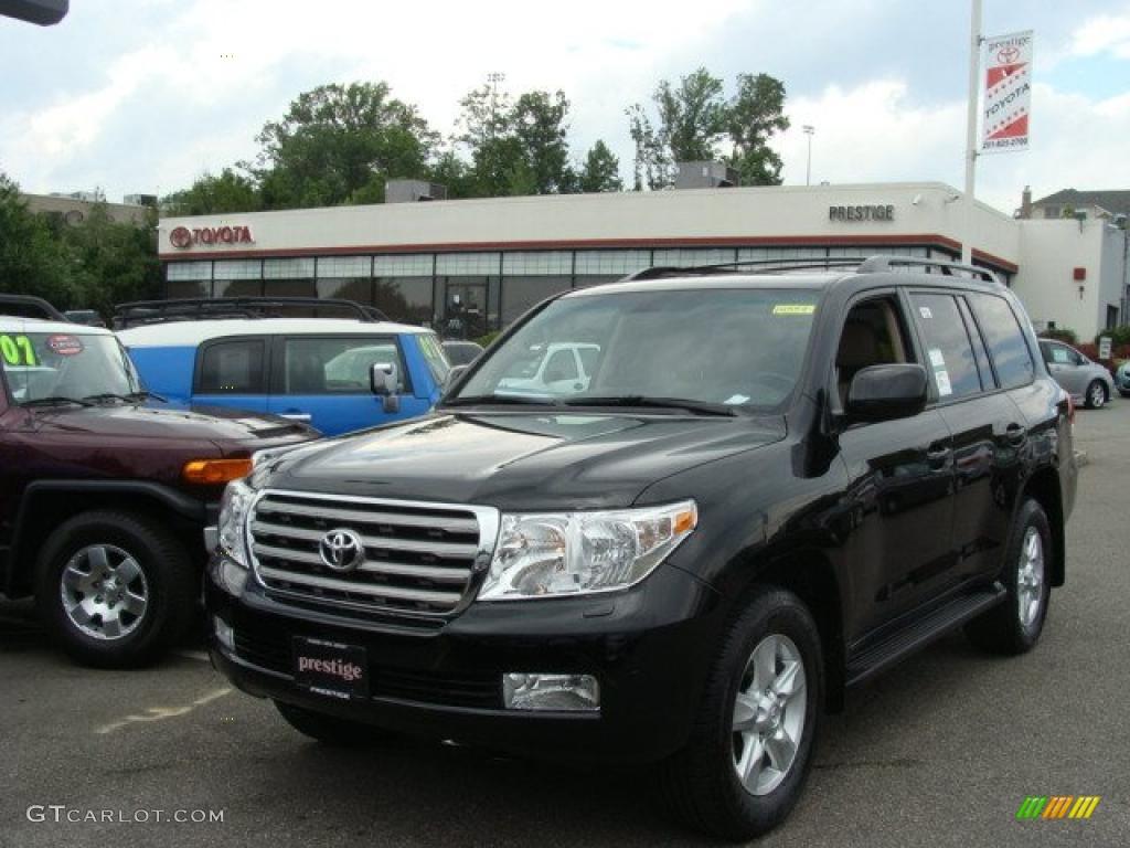 Black Toyota Land Cruiser